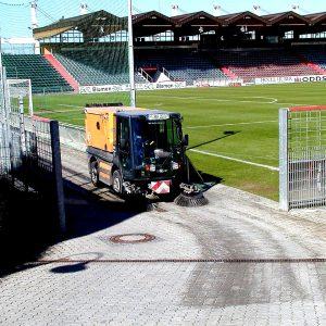 Kehrarbeiten Stadion Unterhaching